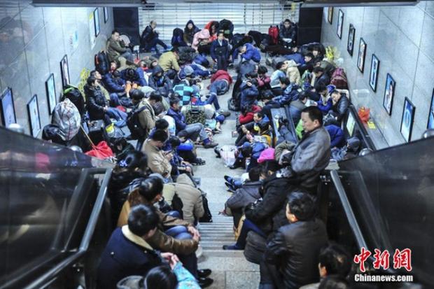 Cuộc đại di cư về quê ăn Tết từ lâu đã trở thành một nét văn hoá của người Trung Quốc - Ảnh 10.