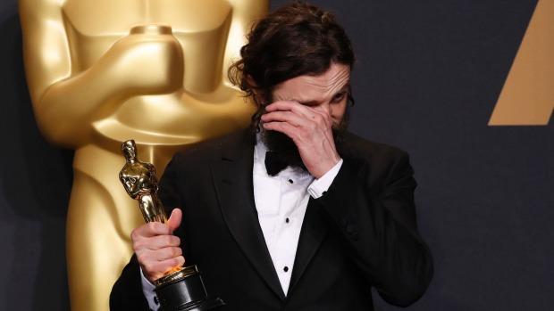 Những khoảnh khắc làm nên một Lễ trao giải Oscar đáng nhớ nhất trong lịch sử! - Ảnh 12.