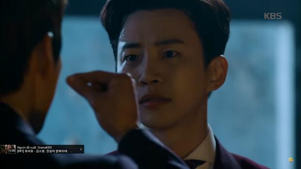 """""""Sếp Kim"""" siêu lầy: Nam Goong Min """"cosplay"""" cảnh catwalk kinh điển của Goblin - Ảnh 25."""