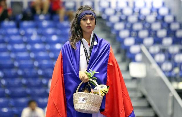 Vẻ đẹp lai của hot girl Taekwondo Campuchia gây sốt tại SEA Games 29 - Ảnh 3.