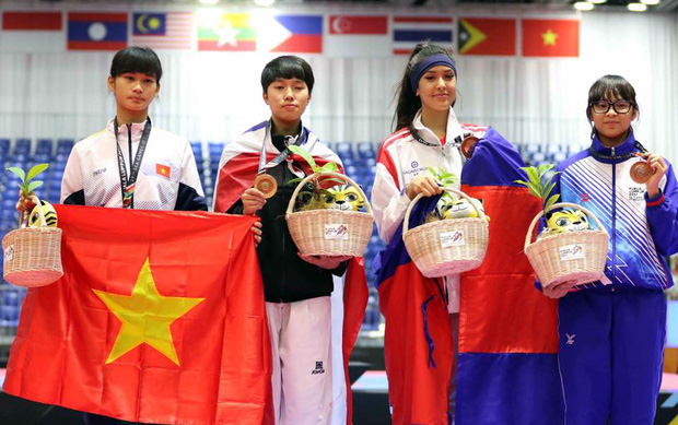 Vẻ đẹp lai của hot girl Taekwondo Campuchia gây sốt tại SEA Games 29 - Ảnh 2.