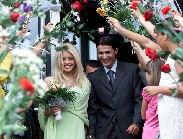 Cùng ngắm thêm 22 bộ váy cưới truyền thống tuyệt đẹp trên toàn thế giới - Ảnh 44.