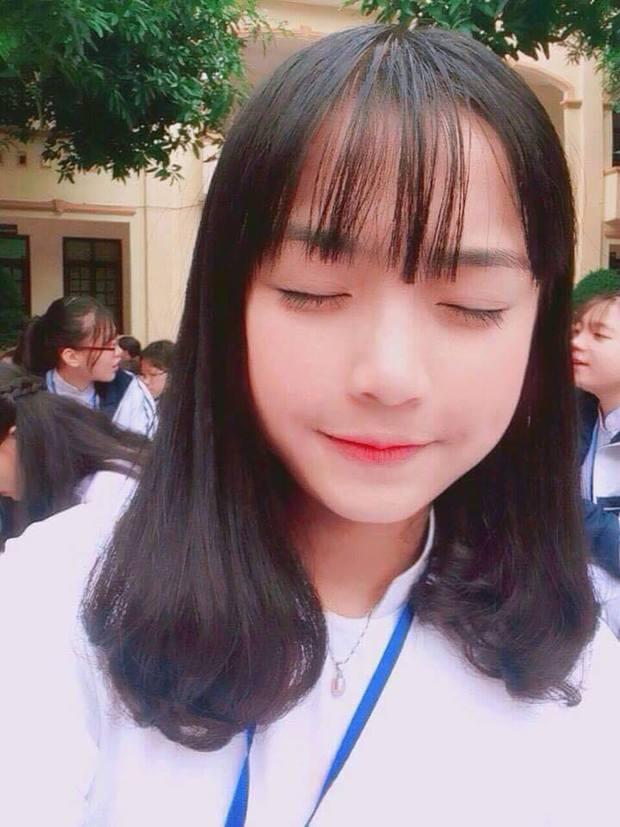 Sau Khánh Vy, trường Phan Bội Châu (Nghệ An) lại có nữ sinh nổi tiếng chỉ nhờ 1 đoạn clip - Ảnh 5.