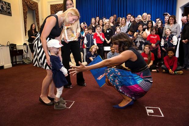 Dù phải chia tay thế nhưng người ta sẽ mãi nhớ về bà Michelle Obama với 30 hình ảnh này - Ảnh 45.