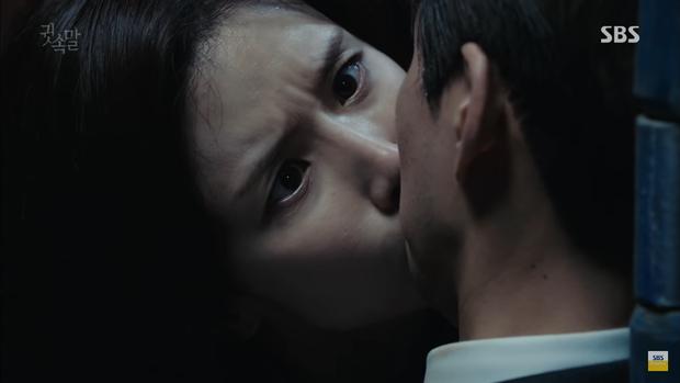 """""""Whisper"""": Đây là cách Lee Bo Young khiến Lee Sang Yoon ngậm miệng - Ảnh 26."""