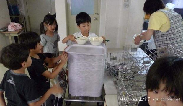 Một bữa trưa đạm bạc của trẻ em Nhật sẽ khiến nhiều người phải cảm thấy hổ thẹn, và đây là lý do - Ảnh 8.