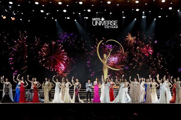 MC Phan Anh nói về việc bán kết Hoa hậu Hoàn vũ Việt Nam vẫn diễn ra trong lúc cơn bão Damrey hoành hành: Hủy thì được gì? - Ảnh 1.