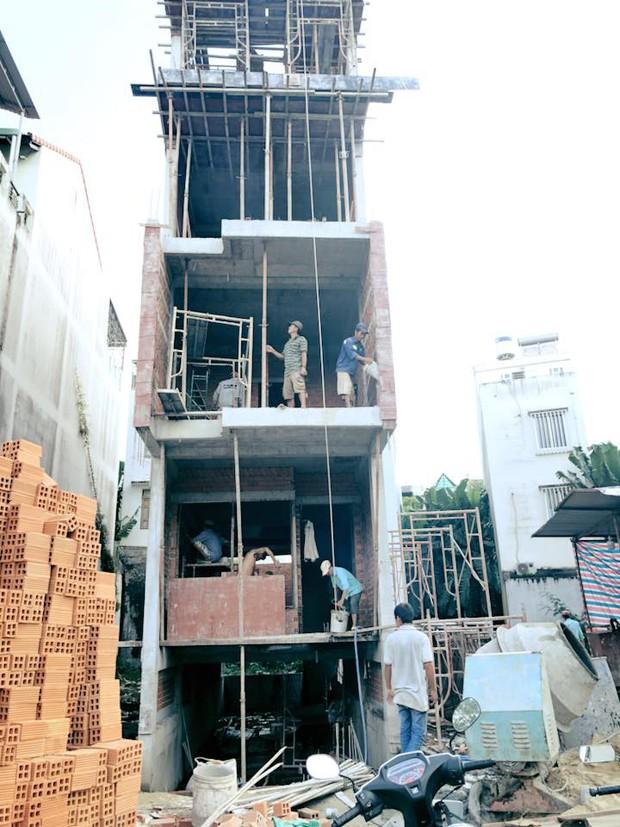 Sau món quà xe hơi tiền tỷ, Thanh Bình tiếp tục xây nhà 5 tầng cho bà xã Ngọc Lan - Ảnh 1.