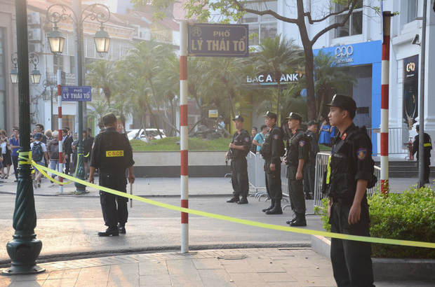 Tổng thống Mỹ Donald Trump đến Hà Nội, an ninh thắt chặt ở các tuyến phố trung tâm - Ảnh 7.