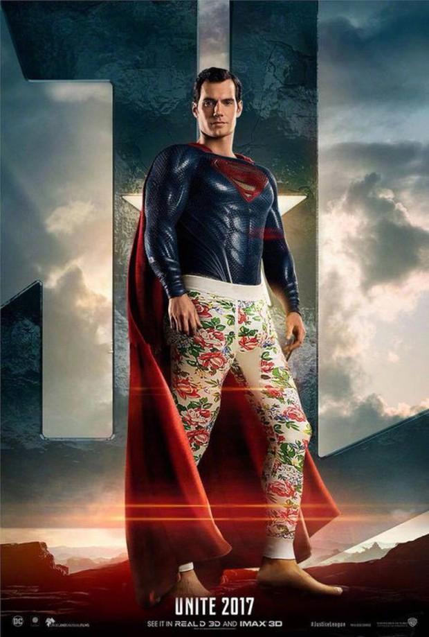 Cười lăn khi siêu anh hùng Justice League bận đồ không giống ai đi cứu thế giới - Ảnh 1.