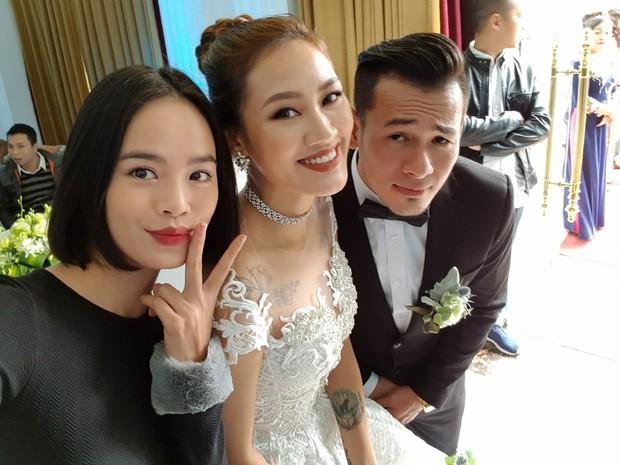 Bạn gái Cường Đô La, Diệp Lâm Anh rạng rỡ đến chúc mừng đám cưới của stylist Pông Chuẩn - Ảnh 3.