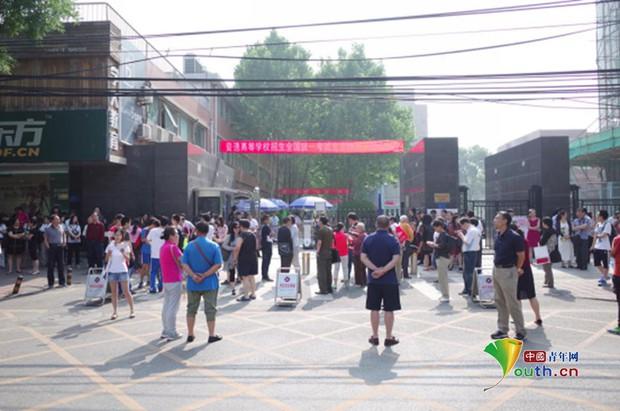 Trung Quốc nóng hừng hực trong mùa Gaokao - một trong những kỳ thi khốc liệt nhất thế giới - Ảnh 16.