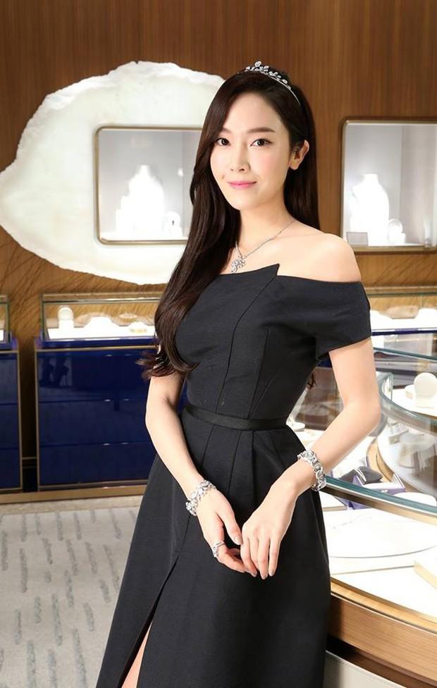 Trở lại thời kỳ đỉnh cao nhan sắc, Jessica Jung đẹp dịu dàng không tì vết - Ảnh 7.