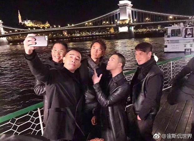 Fan TVB mừng húm vì Người Trong Giang Hồ toàn dàn cast xịn chuẩn bị lên sóng năm 2018 - Ảnh 6.
