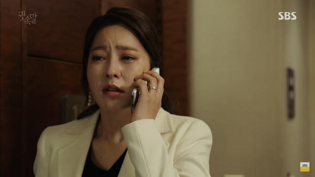 """""""Whisper"""": Lee Sang Yoon và vợ """"tình tứ"""" ngay trước mặt Lee Bo Young - Ảnh 23."""