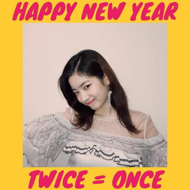 Sao Hàn mừng năm mới 2018: Vợ chồng Song Song rạng rỡ, Big Bang, Wanna One bận rộn đi diễn, Jessica sang hẳn Trung Quốc - Ảnh 31.