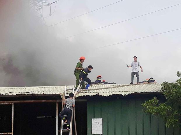 Vũng Tàu: Cháy lớn tại xưởng nhựa, cột khói khổng lồ cao hàng chục mét - Ảnh 5.