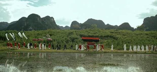 Lôi Báo thừa hưởng những điểm giống và khác biệt nào so với các tác phẩm trước của Victor Vũ? - Ảnh 3.