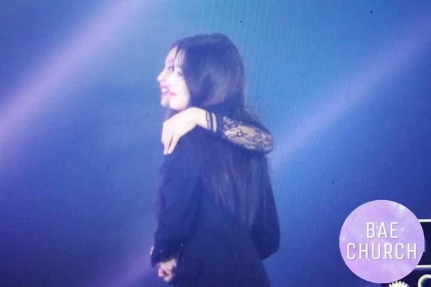 Fan phát cuồng trước khung cảnh thần tiên tại Gayo Daejun: 2 nữ thần Black Pink và Red Velvet vừa ôm vừa nắm tay - Ảnh 5.