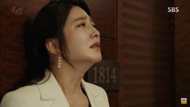 """""""Whisper"""": Lee Sang Yoon và vợ """"tình tứ"""" ngay trước mặt Lee Bo Young - Ảnh 24."""
