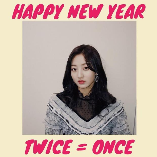 Sao Hàn mừng năm mới 2018: Vợ chồng Song Song rạng rỡ, Big Bang, Wanna One bận rộn đi diễn, Jessica sang hẳn Trung Quốc - Ảnh 32.