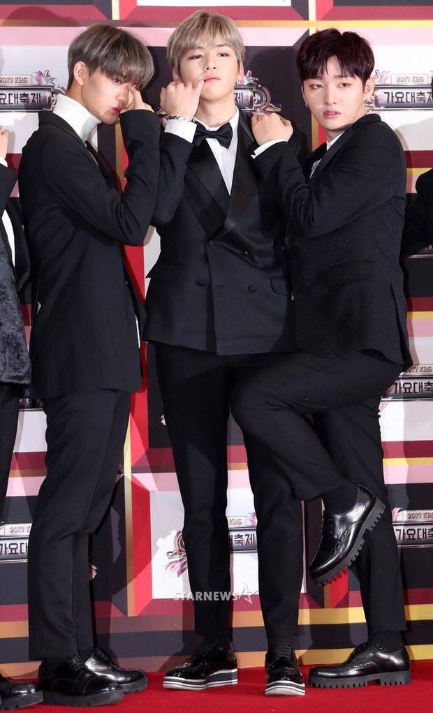 Không thích đẹp hoàn hảo, dàn mỹ nam Wanna One diễn sâu đến ngớ ngẩn, làm ảo thuật để gây chú ý trên thảm đỏ - Ảnh 11.