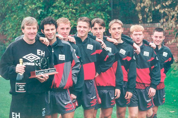 Beckham và đồng đội Thế hệ vàng 92 của Man Utd đến thăm thầy cũ lâm bệnh - Ảnh 1.