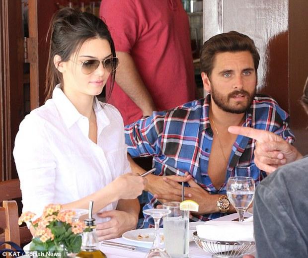 Kendall Jenner từng bí mật quan hệ dan díu với anh rể sau lưng chị gái? - Ảnh 3.
