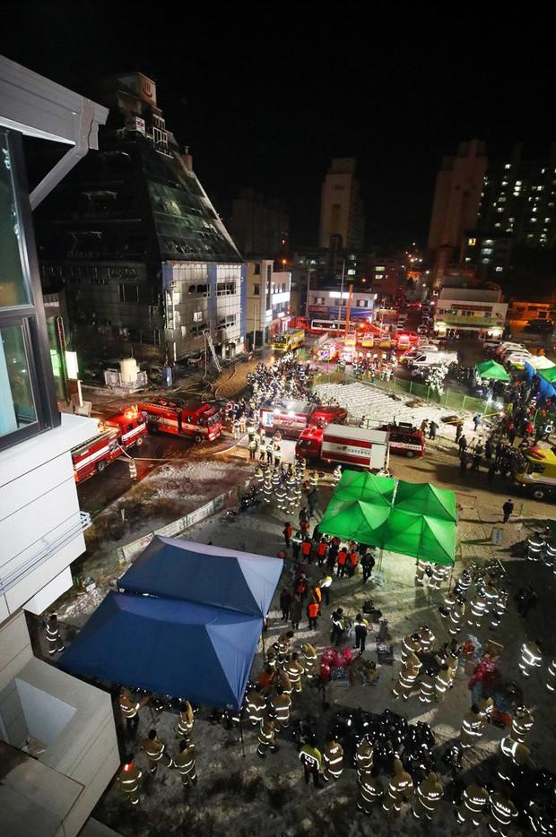 Nhà xe cháy rụi, khung cảnh tàn hoang từ vụ cháy lớn nhất lịch sử Hàn Quốc làm 29 người thiệt mạng - Ảnh 9.