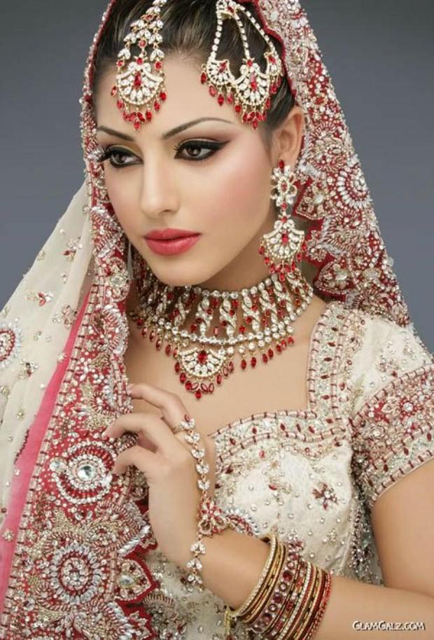 Cùng ngắm thêm 22 bộ váy cưới truyền thống tuyệt đẹp trên toàn thế giới - Ảnh 22.