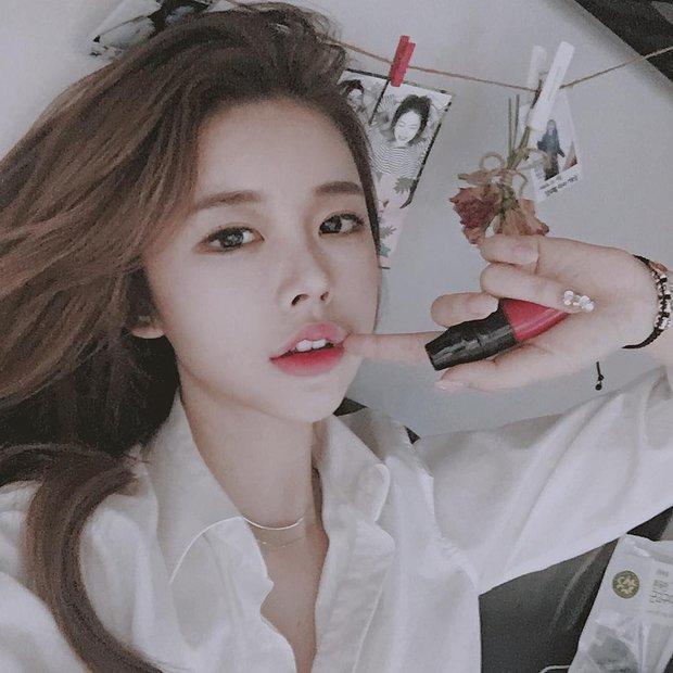 5 thỏi son từ bình dân đến cao cấp được các hot girl Hàn tích cực lăng xê thời gian này mà bạn không thể không biết - Ảnh 12.