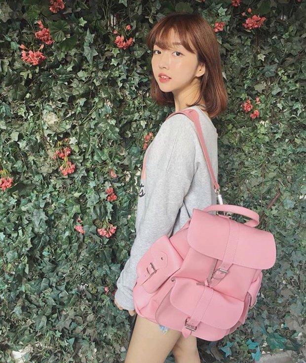 Ai bảo túi đi học không thể trendy? Đây là 5 kiểu túi cực xinh và chất mà các nàng có thể diện đến trường - Ảnh 8.