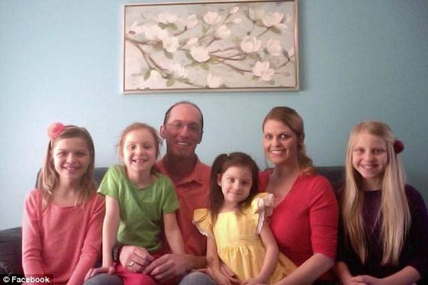 Hành trình cùng chuyển giới của cặp cha và con gái đầu tiên trên thế giới - Ảnh 3.