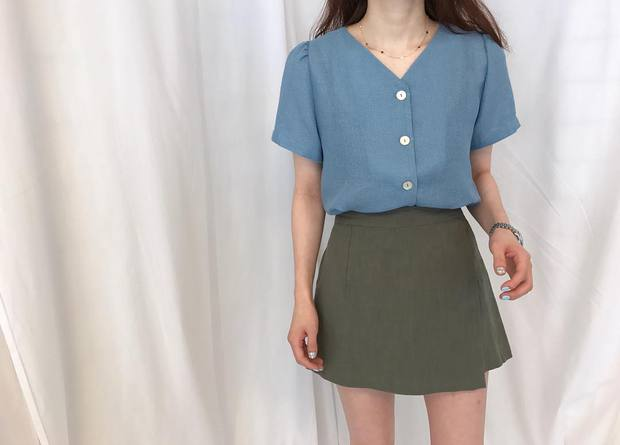 Đi học cũng nên diện đồ thật xinh, và đây là 5 kiểu áo sơmi xinh nức nở cho các nàng mùa back to school - Ảnh 11.