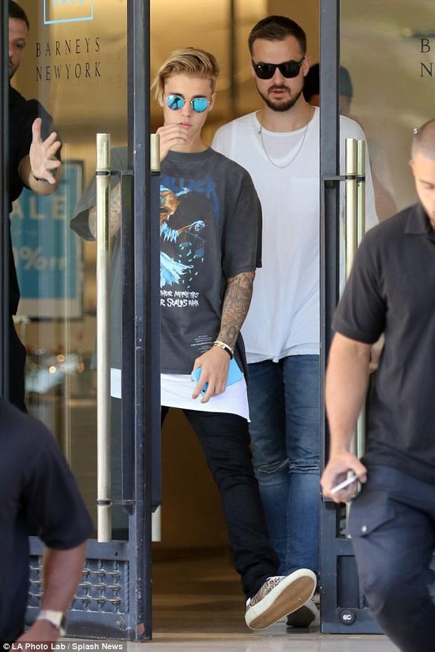 Sự thật về mối quan hệ với người đàn ông được Justin Bieber ôm hôn đang cực hot trên mạng!  - Ảnh 7.