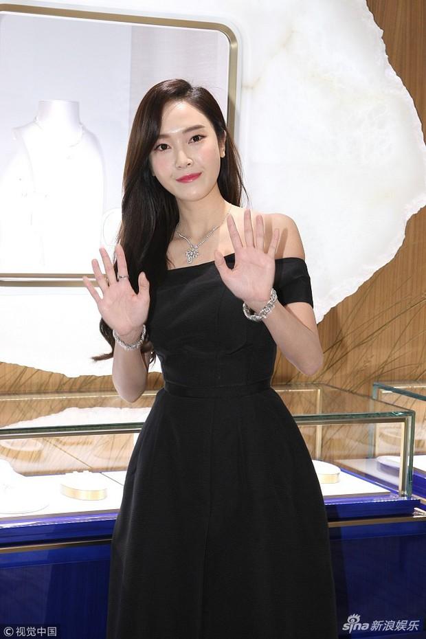 Trở lại thời kỳ đỉnh cao nhan sắc, Jessica Jung đẹp dịu dàng không tì vết - Ảnh 9.