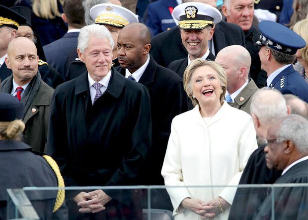 Ý nghĩa đặc biệt phía sau việc 2 cô con gái của tân Tổng thống Donald Trump cùng mặc trang phục màu trắng - Ảnh 3.