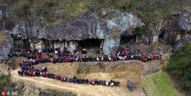 Bức ảnh gia đình hoành tráng nhất Trung Quốc với sự góp mặt của 500 thành viên - Ảnh 3.