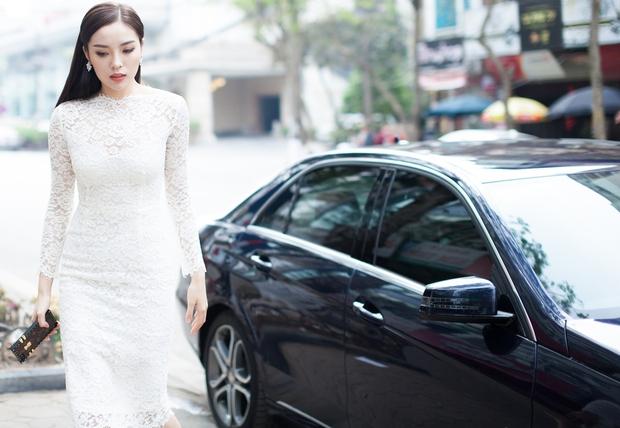 Ở ẩn sau hàng loạt scandal, Hoa hậu Kỳ Duyên cũng đã xuất hiện tại sự kiện!  - Ảnh 2.