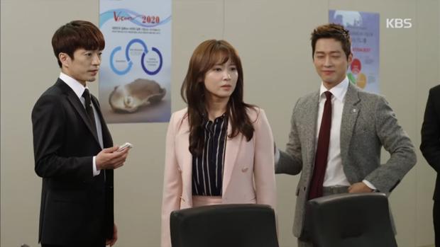 """""""Sếp Kim"""" siêu lầy: Nam Goong Min """"cosplay"""" cảnh catwalk kinh điển của Goblin - Ảnh 7."""