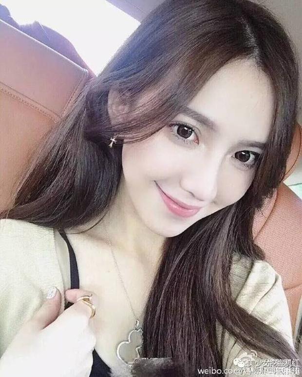Hành trình lột xác từ cô nàng bình dân thành hot girl bán hàng online của bạn gái đại thiếu gia Thượng Hải - Ảnh 4.