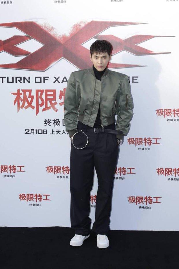 Set đồ của bố mà Sơn Tùng mặc tới Seoul Fashion Week giống của Ngô Diệc Phàm đến bất ngờ - Ảnh 3.