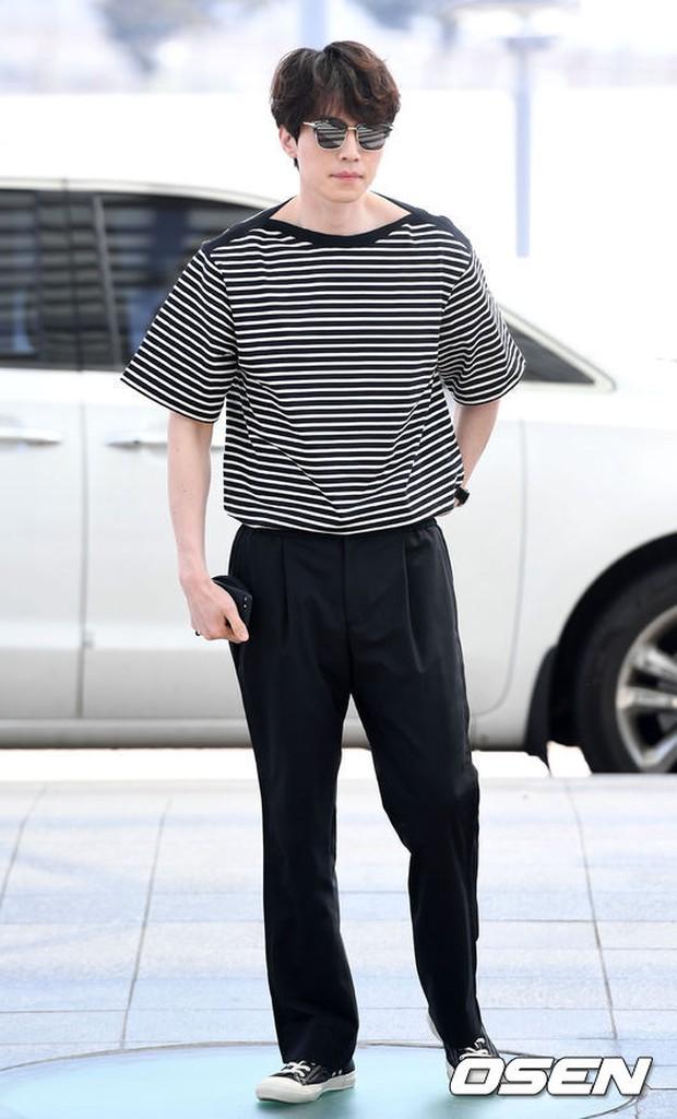 Có ai như Lee Dong Wook và Yoo In Na: Tình cờ gặp gỡ và biến sân bay thành sàn catwalk - Ảnh 9.