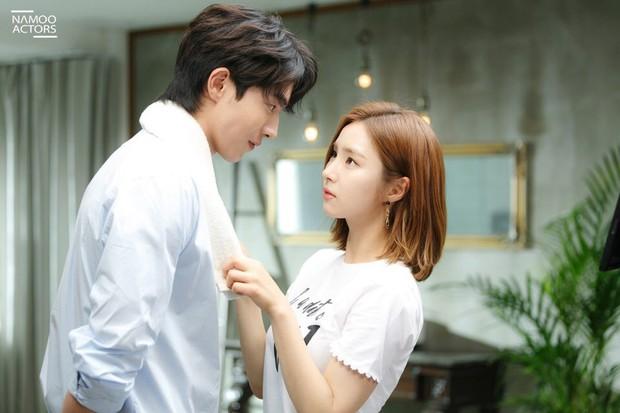 16 phim Hàn đặc sắc dính líu tới những bộ manhwa nổi tiếng - Ảnh 2.