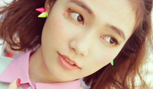 Trong khi bạn còn đang kẻ mắt mèo thì con gái Nhật đã chuyển sang kiểu kẻ mắt siêu đơn giản mà hay ho này - Ảnh 1.
