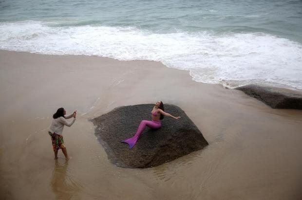 Cuộc sống của những nàng tiên cá Brazil: Giấc mơ thời thơ ấu từ chiếc đuôi thần tiên - Ảnh 5.