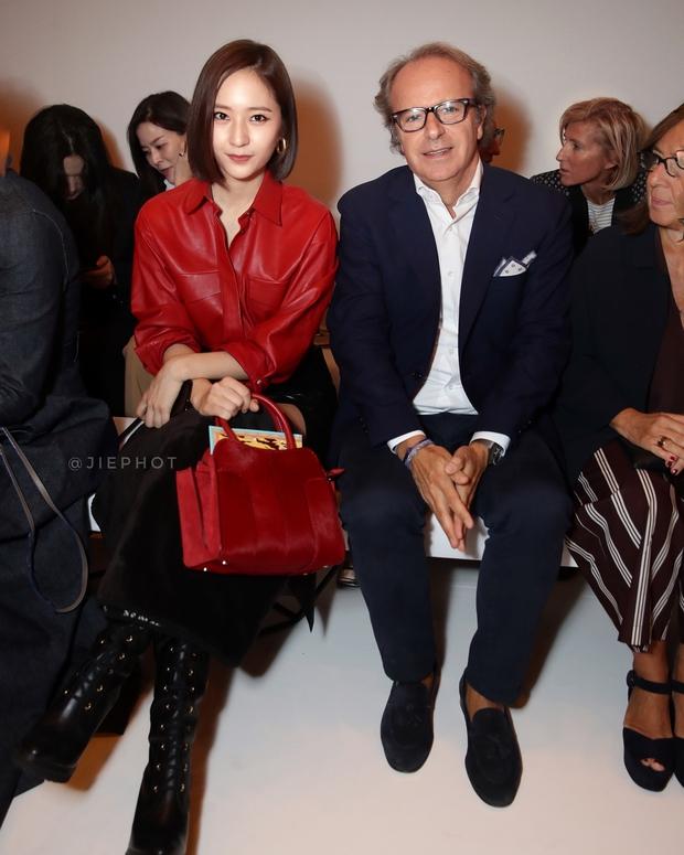 Quá bất ngờ: Krystal đột nhiên cắt phăng mái tóc dài, xuất hiện với tóc bob thời thượng tại Milan Fashion Week - Ảnh 4.