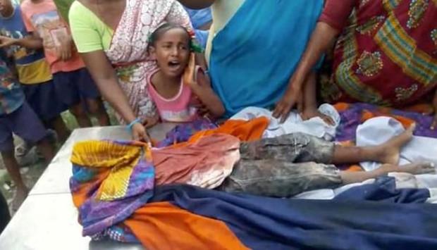 Ấn Độ: Đang chơi đùa cùng đám trẻ hàng xóm, bé trai bị 17 con chó hoang cắn chết - Ảnh 4.