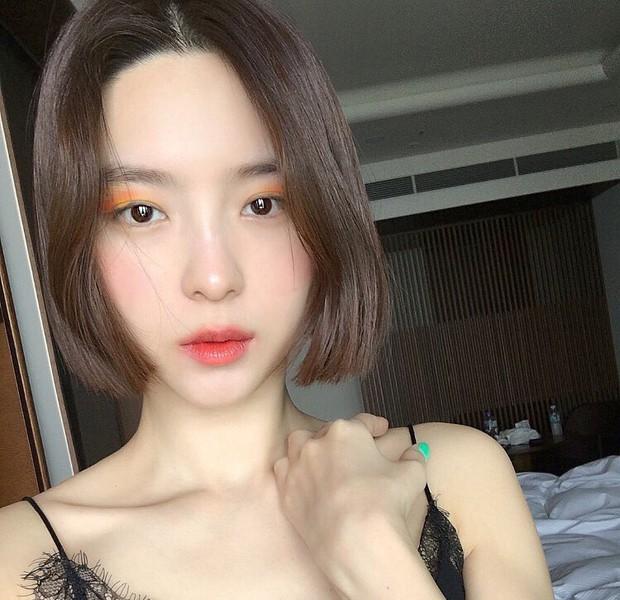 Không phải beauty blogger nhưng 5 hot girl Hàn này vẫn được hội mê làm đẹp săn đón vì makeup cực long lanh - Ảnh 24.