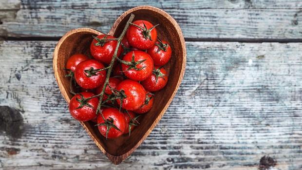 8 lý do chuyên gia sức khỏe khuyên chúng ta nên ăn cà chua mỗi ngày - Ảnh 2.